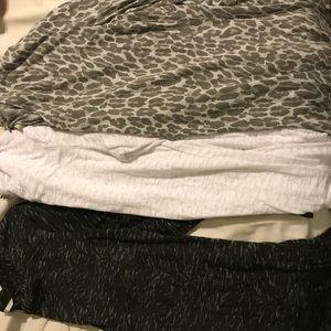 Lot of three long sleeve shirts L/xl